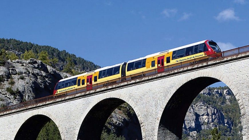 Alpes de Haute-Provence : le train des Pignes à son propre guide du Routard