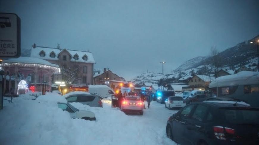 Hautes-Alpes : la neige perturbe la circulation sur les routes