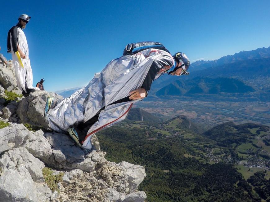 Hautes-Alpes : wingsuit, vtt, vélo, trail ou parapente, qui sera le plus rapide ?