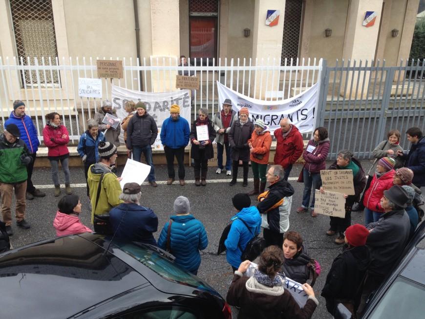 """Hautes-Alpes : """"Tous Migrants"""" en marche jusque devant la sous-préfecture de Briançon"""