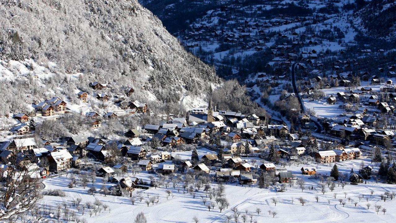 Hautes alpes les socioprofessionnels des crins appel s - Office tourisme montgenevre hautes alpes ...