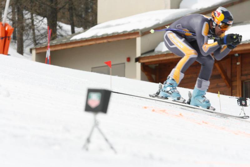 Hautes-Alpes : un week-end spécial ski de vitesse à Ancelle