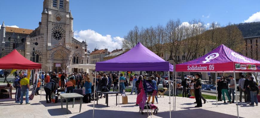 Hautes-Alpes : 200 personnes à Gap pour soutenir des maraudeurs solidaires